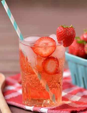 7 Detox Water Recipes to Lose Weight and Belly Fat At Home
