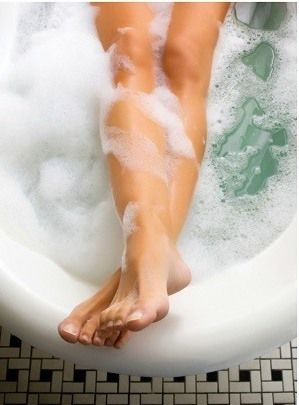 Epsom salt bath - 11 Best Home Remedies to Get Rid of Psoriasis Permanently