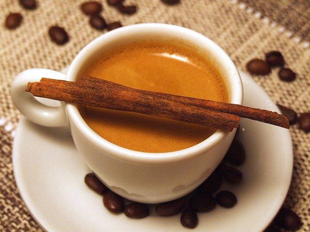 Canela con Café