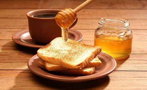 Té de canela con miel para perder peso