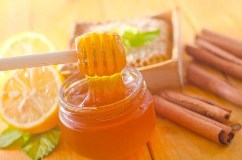 jugo de limón canela y miel