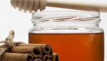 Beneficios de miel de abeja con canela molida