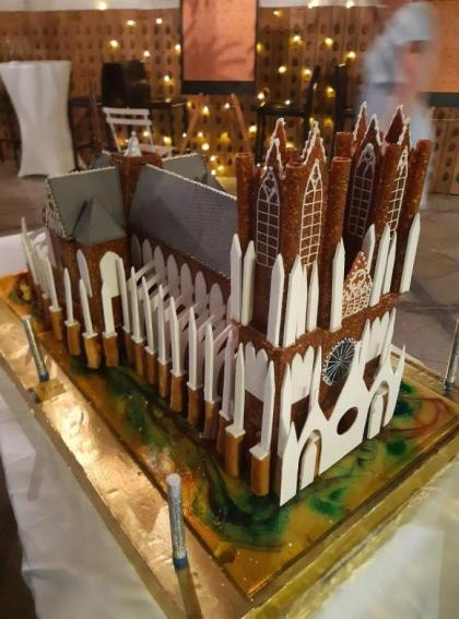a Reims cathedral … to chew into