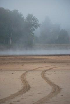 Brume matinale au bord de la Rivière Rouge (Québec)