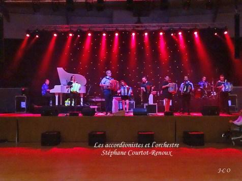11 Accordéonistes et Orchestre