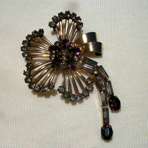 vintage jewelry brooch - Remix Vintage Clothing