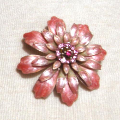 60s flower brooch rhinestones- The Remix Vintage Clothing