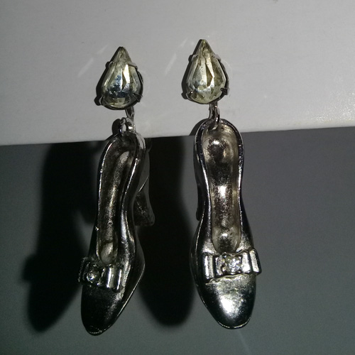 50s Cinderella slipper earrings-the remix vintage fashion