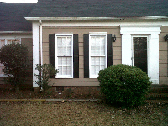 25 Inspiring Outdoor Window Treatments