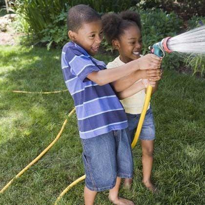 tipsaholic-garden-hose-music-game-spoonful