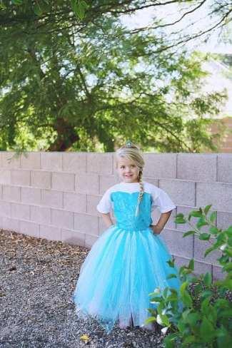 55 Amazing No-Sew Halloween Costumes For Kids - Tipsaholic, #halloween, #costumes, #DIY, #no-sew, #halloweencostumes