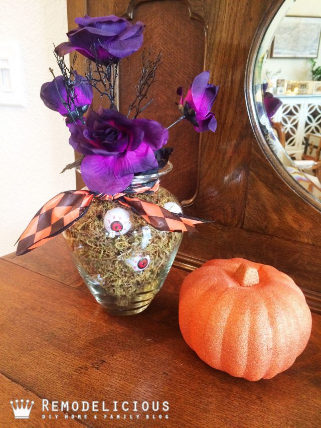 Decorating for Halloween with Dollar Tree | Remodelicious