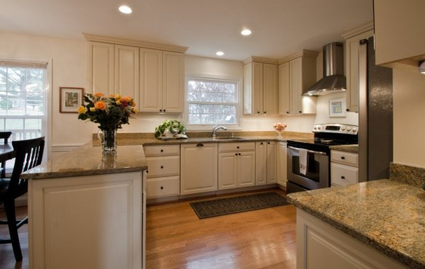 Ellisons Kitchen (1)