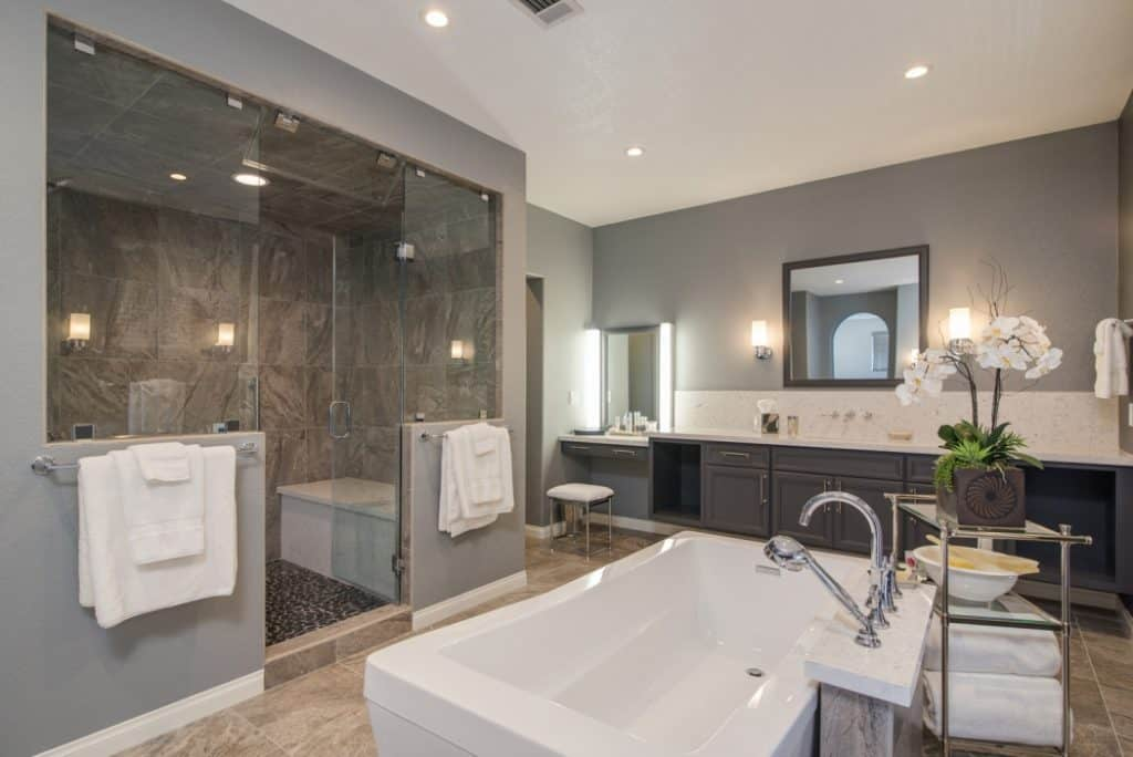 Small Kitchen And Bathroom Design
