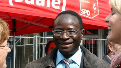 130920104250 sp karamba diaby 464x261 bbc Karamba, primer negro que puede llegar al Parlamento alemán