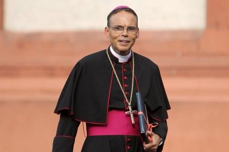 """1382524221 0 El Papa Francisco le da pa´fuera al """"obispo del lujo"""""""