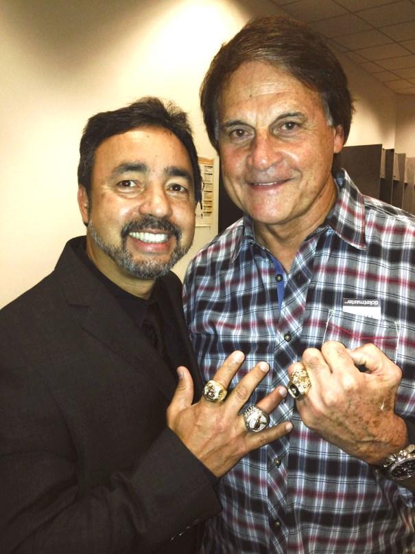Angel Fernandez y Tony La Russa en el Oracle Center, Oakland, CA