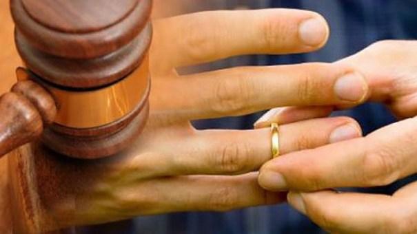 divorcio-anillo-corte.jpg_433_770_c