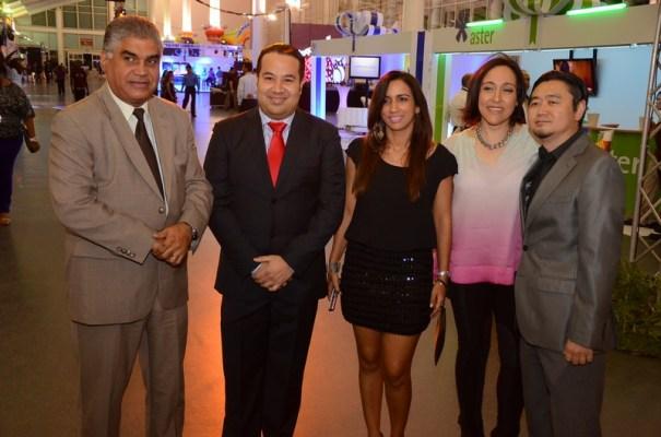 Fausto Fernández, Junior Hernández, Raquel Tome, Edilenia Tactuk y Mite Nishio (Principal)