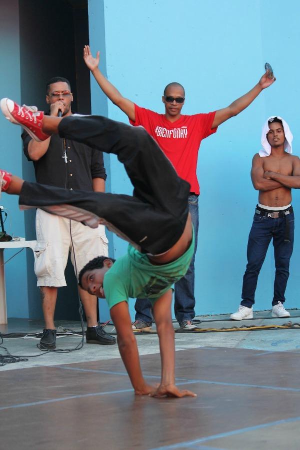 bboys Competencia de Breakdance Santo Domingo [video]