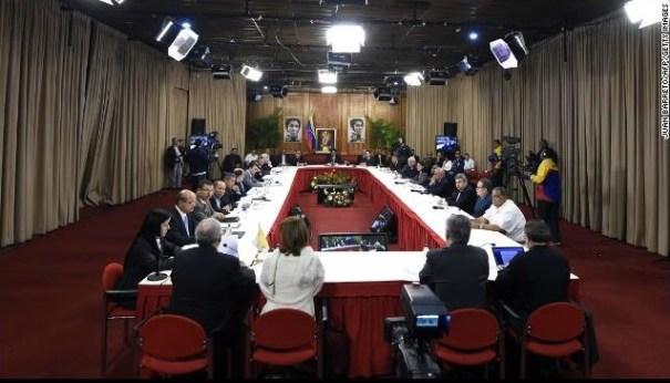 15 Detalles de primera reunión entre Gobierno y oposición [Venezuela]