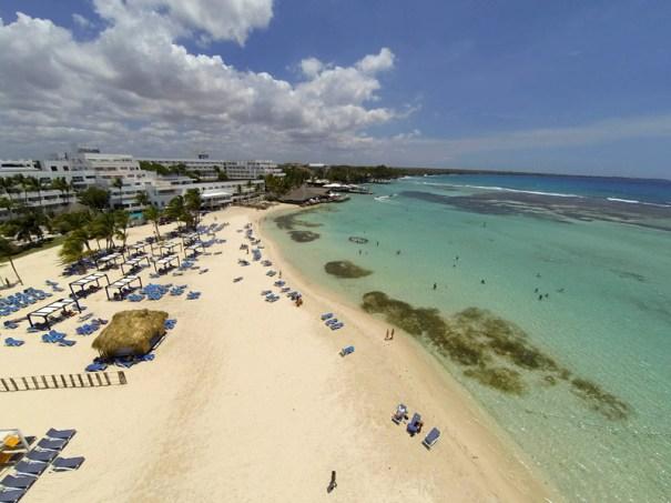 Vista aérea playa de Boca Chica. Hoy/ RC Pilot: Arismendy Lora