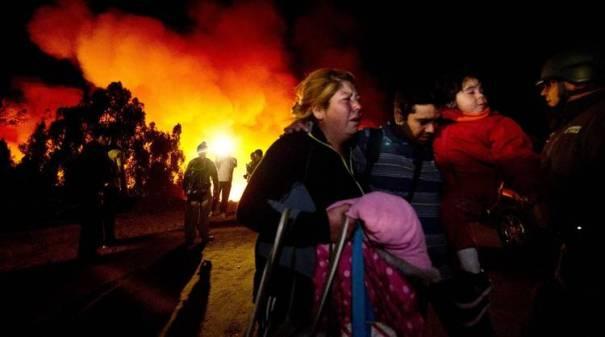 fuego-reactivara-ciudad-Valparaiso-AFP_CLAIMA20140414_0103_14
