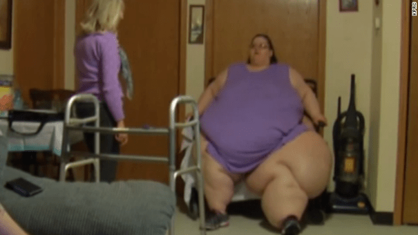 140430202500 obese woman trying to raise money to get to houston for surgery story top Mujer que pesa más de 700 libras pide ayuda para cirugía [EE.UU]