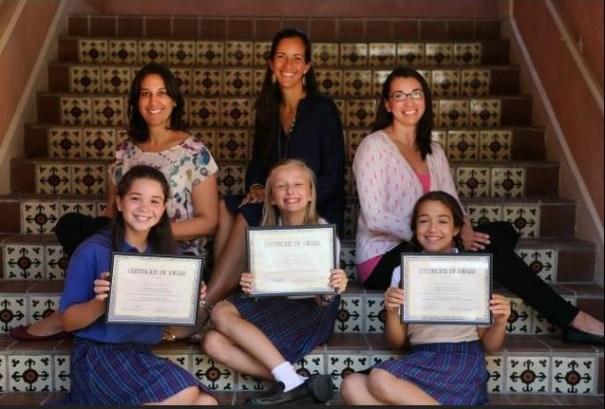 43 Reconocen a estudiantes que escribieron poemas sobre inmigración [Miami]