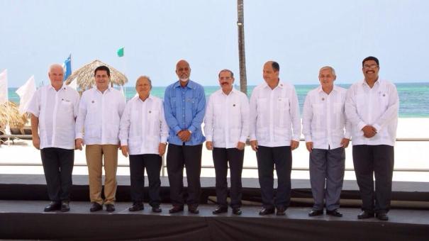 10500438 658110010943993 1691113158183359567 n Presidentes modelan sus chacabanas