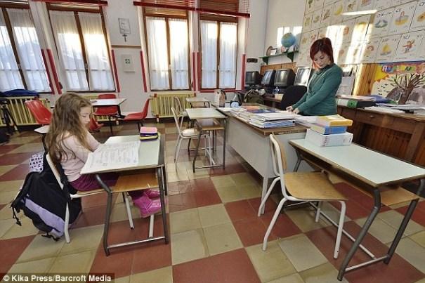 image38 La escuela más pequeña del mundo