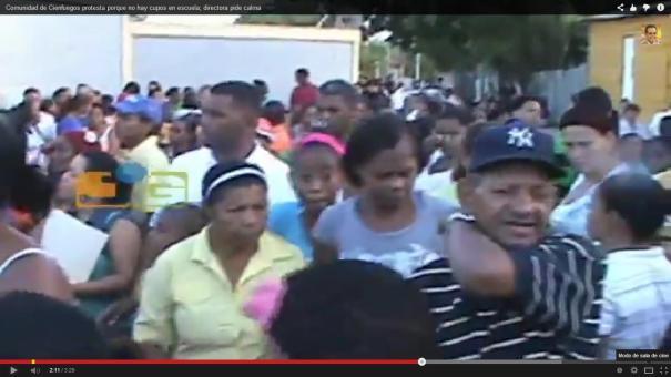 16 Gente killá en Santiago; problemas para inscribir carajitos en la escuela [Video]