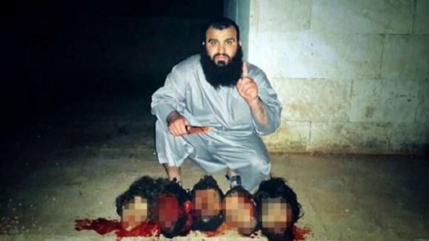 20140803 091448 33288739 Terrorista exhibe decapitaciones