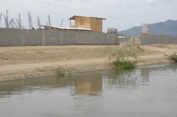 7c6e31bc17d06339a92445cd35f1bf9f 620x412 Chequea en qué lugar están construyendo una escuela [RD]