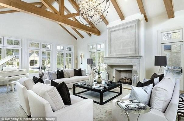 image32 Dentro de la nueva mansión de US$20 millones de Kim Kardashian y Kanye West