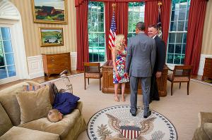 carajito aburrido en casa blanca Foto   Carajito necio en la Casa Blanca