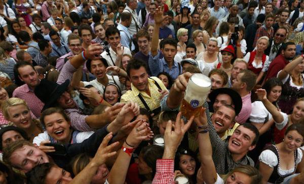 cerveza oktoberfest ¡Se va beber de a duro en Alemania!