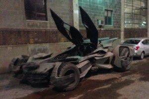 El nuevo carro para la pelicula Batman vs. Superman -- batman dame una bola