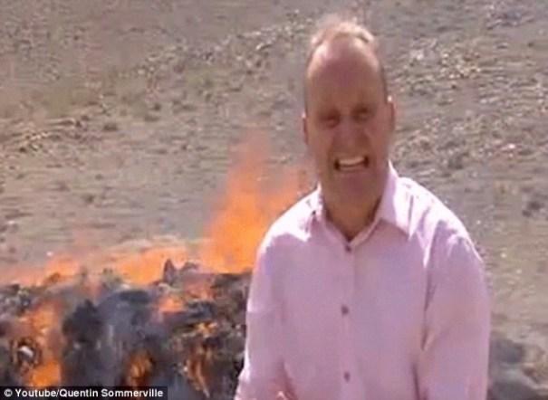 image219 Video   Corresponsal se arrebata en acto de quema de drogas