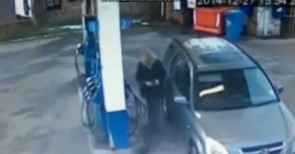 image2 Video   Jeva no puede alinear su yipeta en la bomba de gasolina