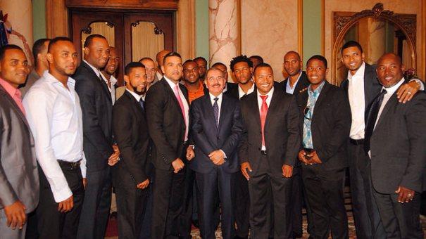 rd3 Mas fotos del presidente chillin con Gigantes del Cibao SFM