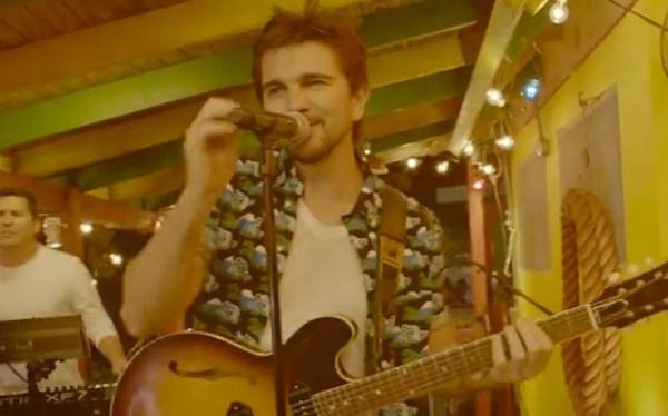 853761 642x400 97 Video: Juanes pone a bailar a modelos Victorias Secret