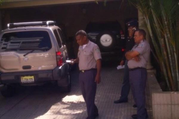 a4a729855a373a2bf89fef8bf9e14894 620x412 Roban en casa de embajador Haití en el país