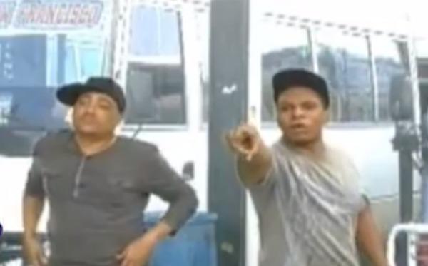 jzz Raymond y Miguel:La parada de guagua [Humor]