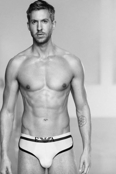 rs_499x749-150217104444-calvin-harris-shirtless-underwear-emporio-armani-2