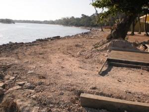 0b8c604603da12069e28c95423ab4628 300x226 Playas de Barahora en el abandono [RD]