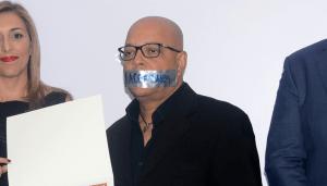 Manny Sola denuncia censura por cancelación de programa