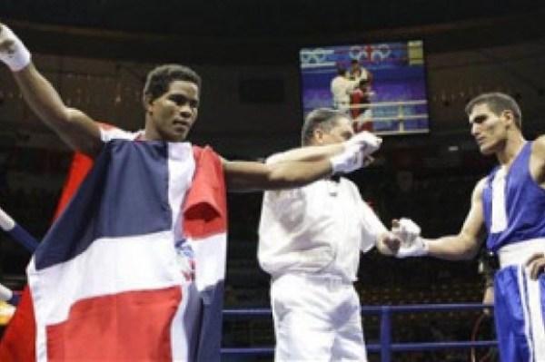 image218 En el 2008 dominicano Felix Díaz venció a atleta muerto en accidente helicóptero