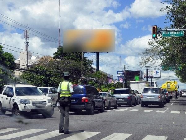 image261 Amet justifica agentes sustituyan semáforos