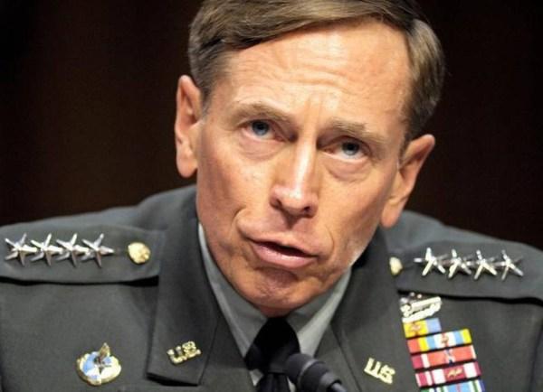 image56 EEUU: El General David Petraeus se declara culpable